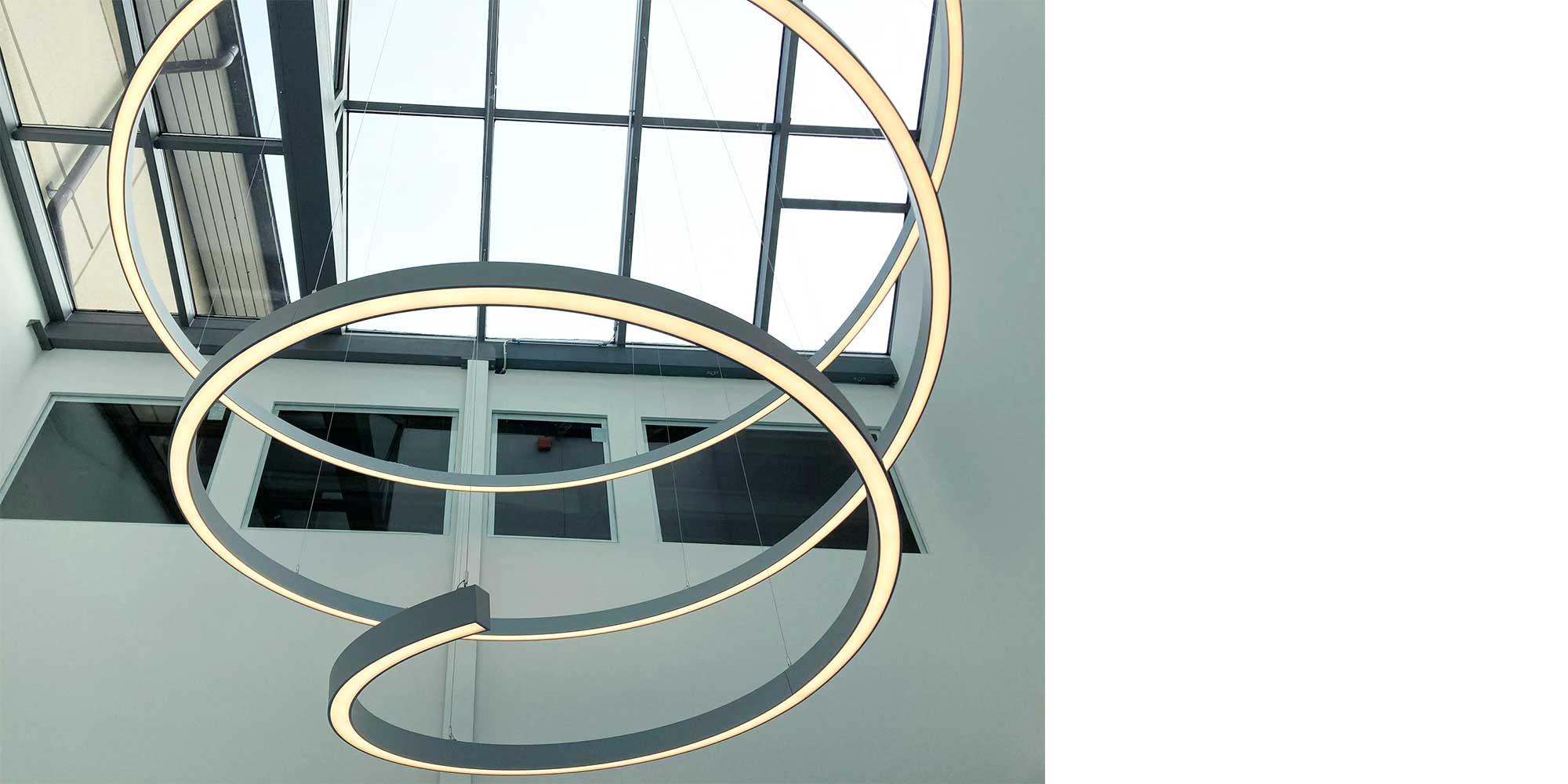 Liquid Line Spiralleuchte von Lightnet, Formen sind keine Grenzen gesetzt