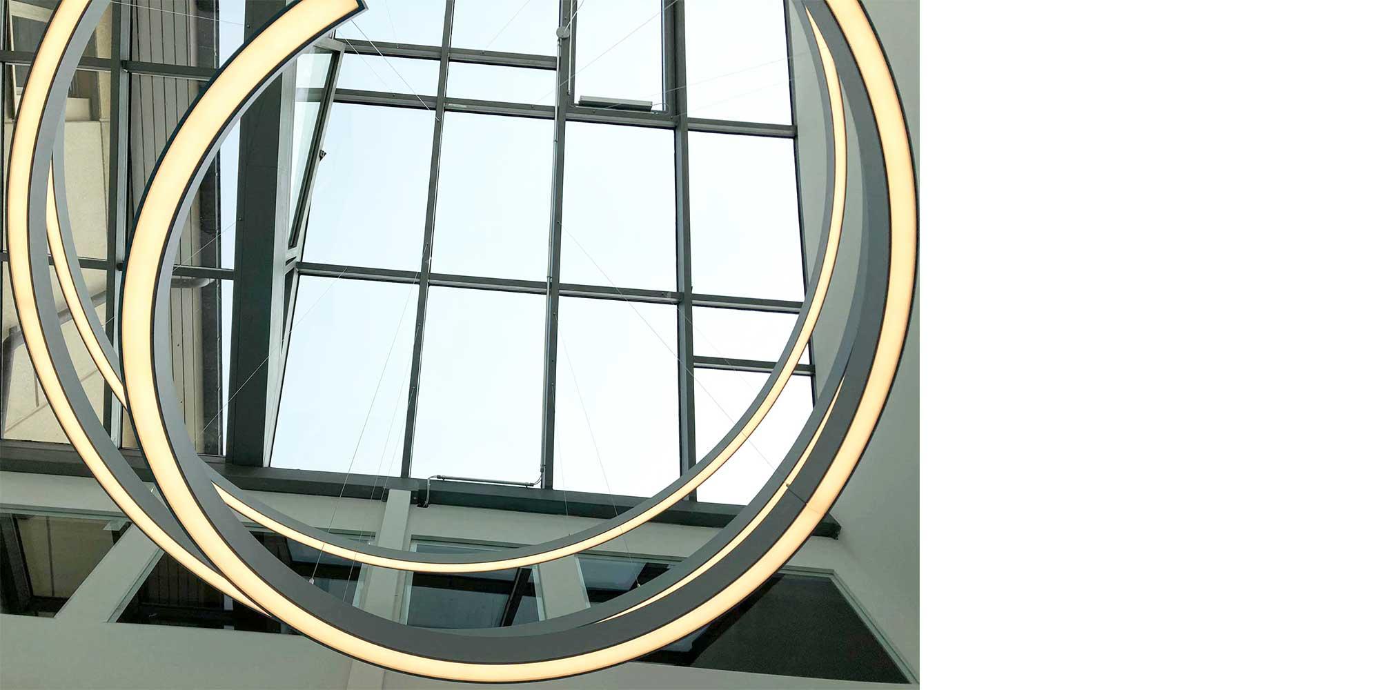Liquid Line Spiralleuchte von Lightnet, Formen sind keine Grenzen gesetzt.