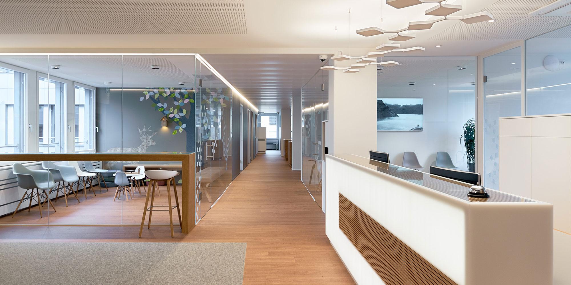 Lichtkanäle Matric von Lightnet die geeignete Flur und Wegbeleuchtung und passt zur Innenarchitektur
